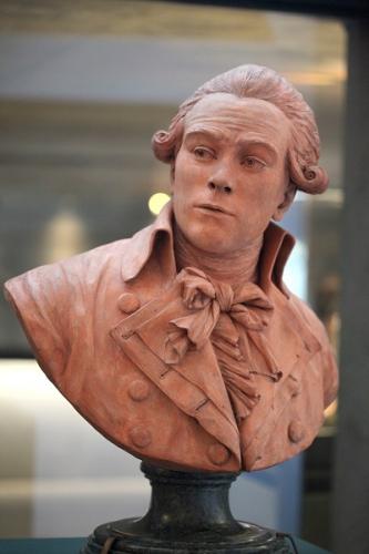 Robespierre_buste-d37d2.jpg
