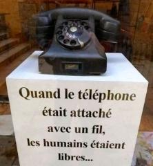 telephone-c4f4a.jpg